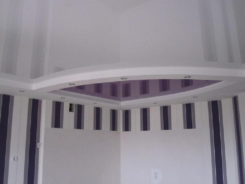 Натяжные потолки фиолетовые