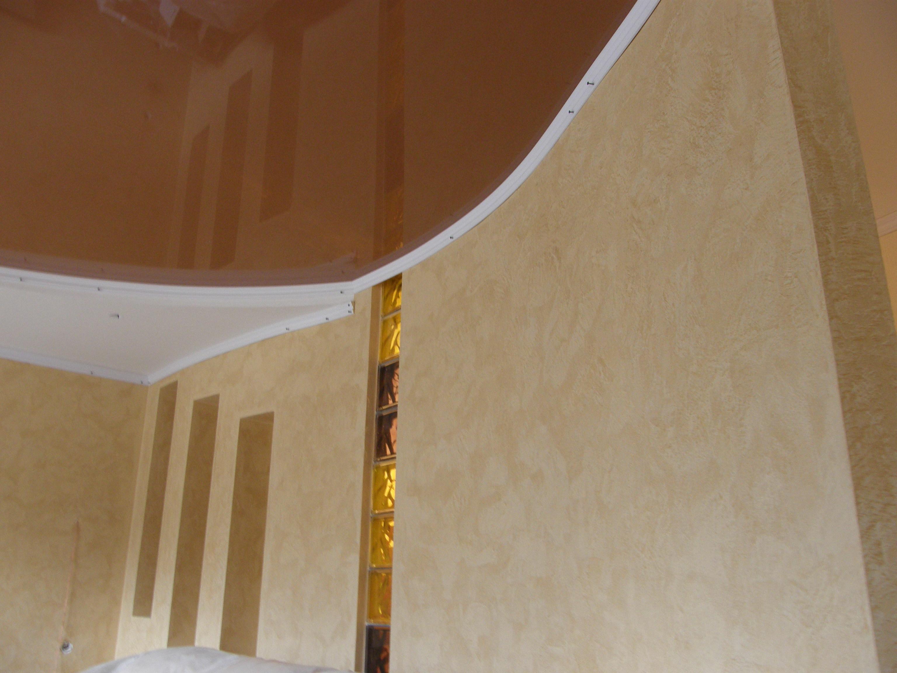 Натяжные потолки с песочной отделкой