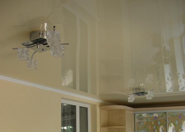 Натяжные потолки веранда